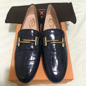 ✨NEW✨Tods stamped croc double T loafers
